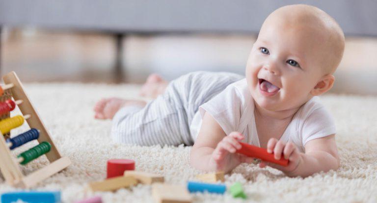 تغذیه نوزاد از شش ماهگی تا یک سالگی