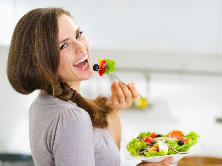 تغذیه مناسب و اصولی قبل از بارداری برای سلامتی مادر و جنین
